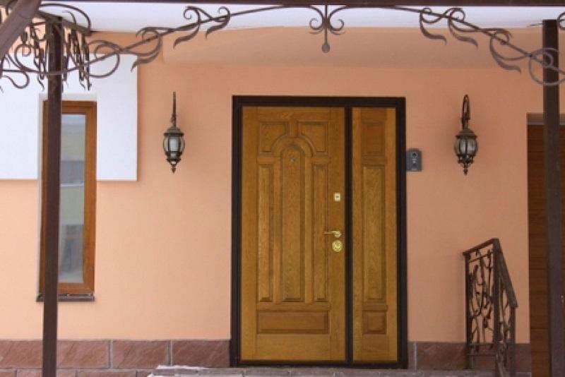 двери двойные входные уличные