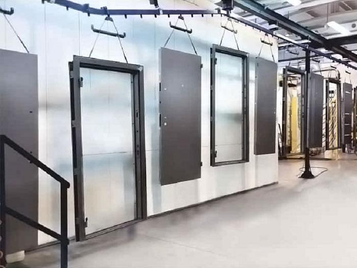 завод производит стальные входные двери
