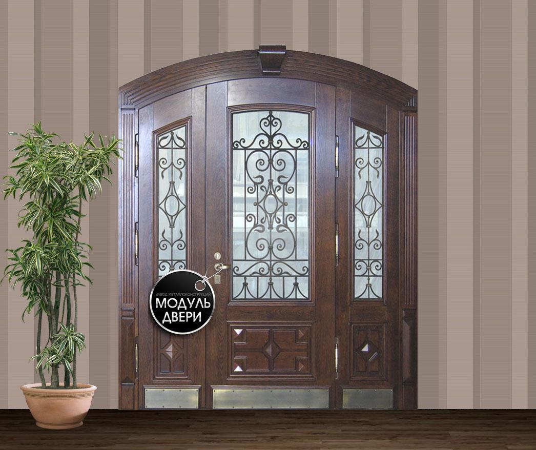 входные двери из масива со стеклопакетом для загородного дома