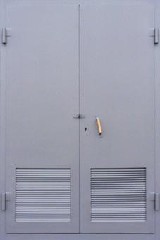 металлические двери для электрощитовых с решеткой